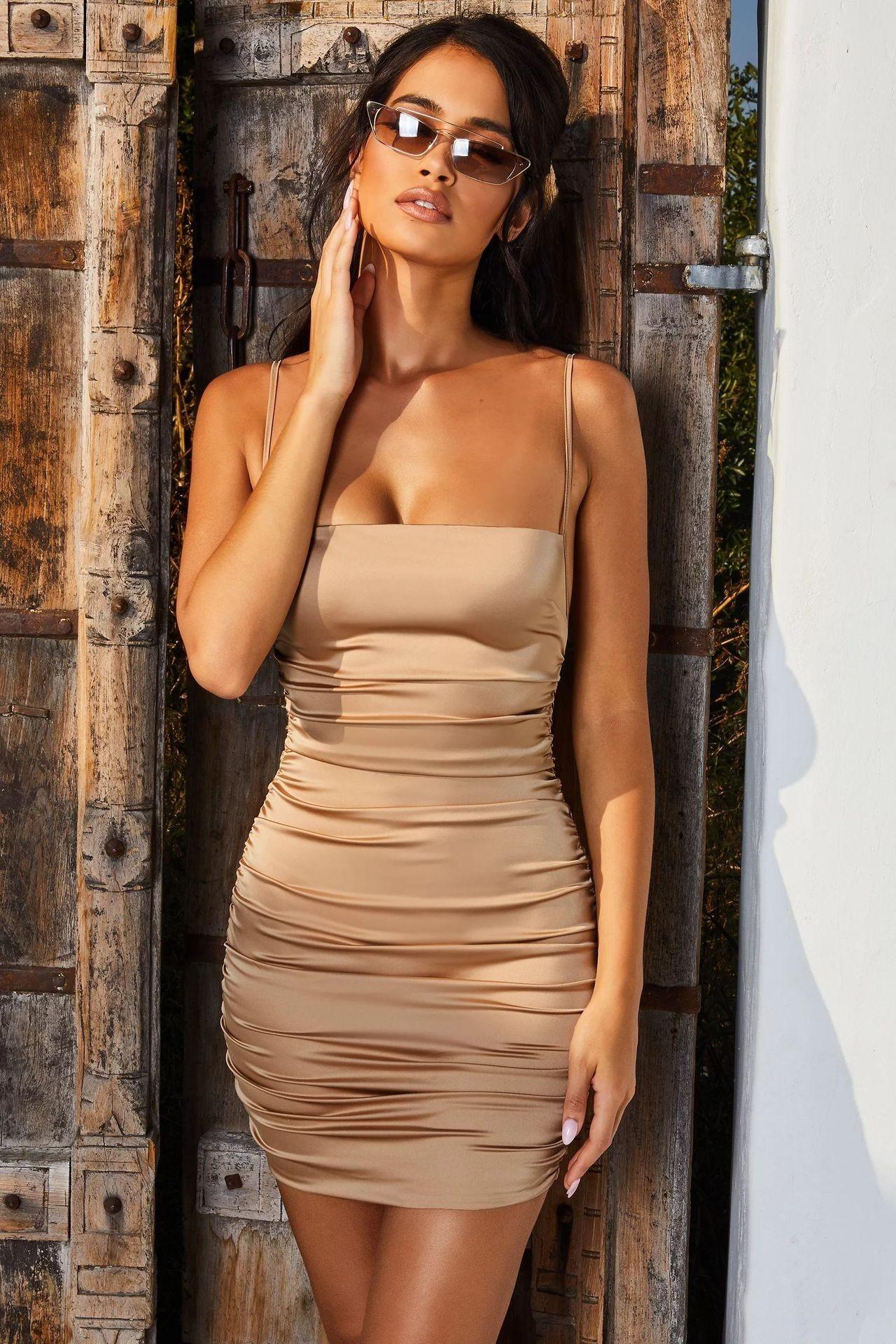 Rochie scurta cu bretele sexy si spatele gol Sela Dark Gold